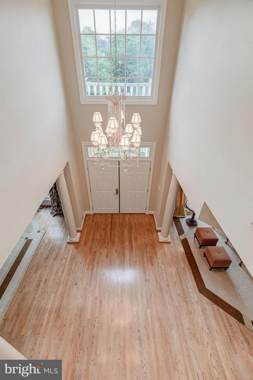Two-Story Foyer - 10810 TRADEWIND DR, OAKTON