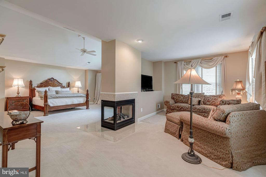 Master Suite with Sitting Room - 10810 TRADEWIND DR, OAKTON