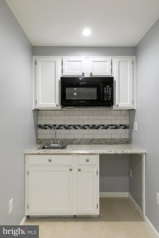 Basement Kitchenette - 4085 CHAMPIONSHIP CT, ANNANDALE