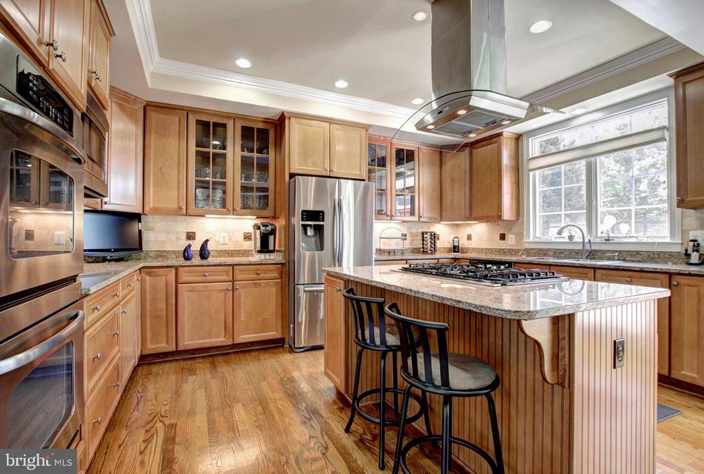 Updated Well Appointed Kitchen - 9891 CHAPEL BRIDGE ESTATES DR, FAIRFAX STATION