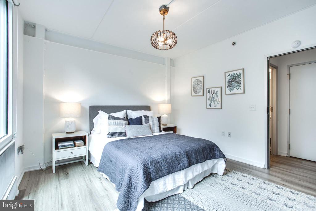 Bright and Spacious Bedroom - 1445 CHURCH ST NW #2, WASHINGTON
