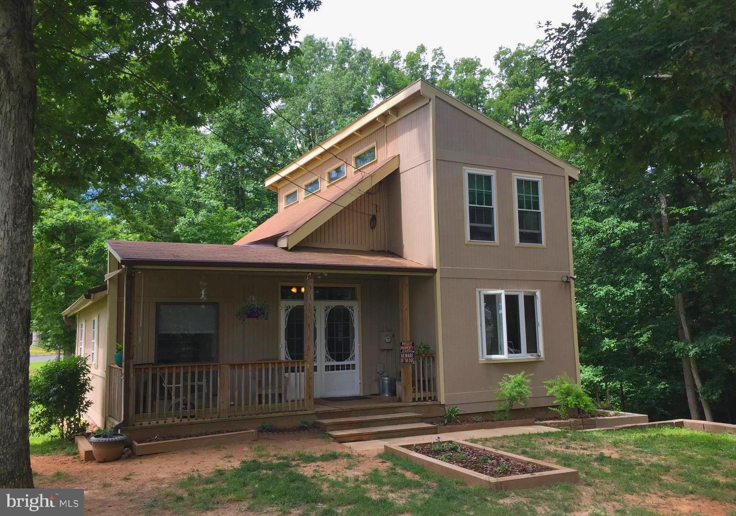 Single Family for Sale at 671 Rollason Dr Front Royal, Virginia 22630 United States
