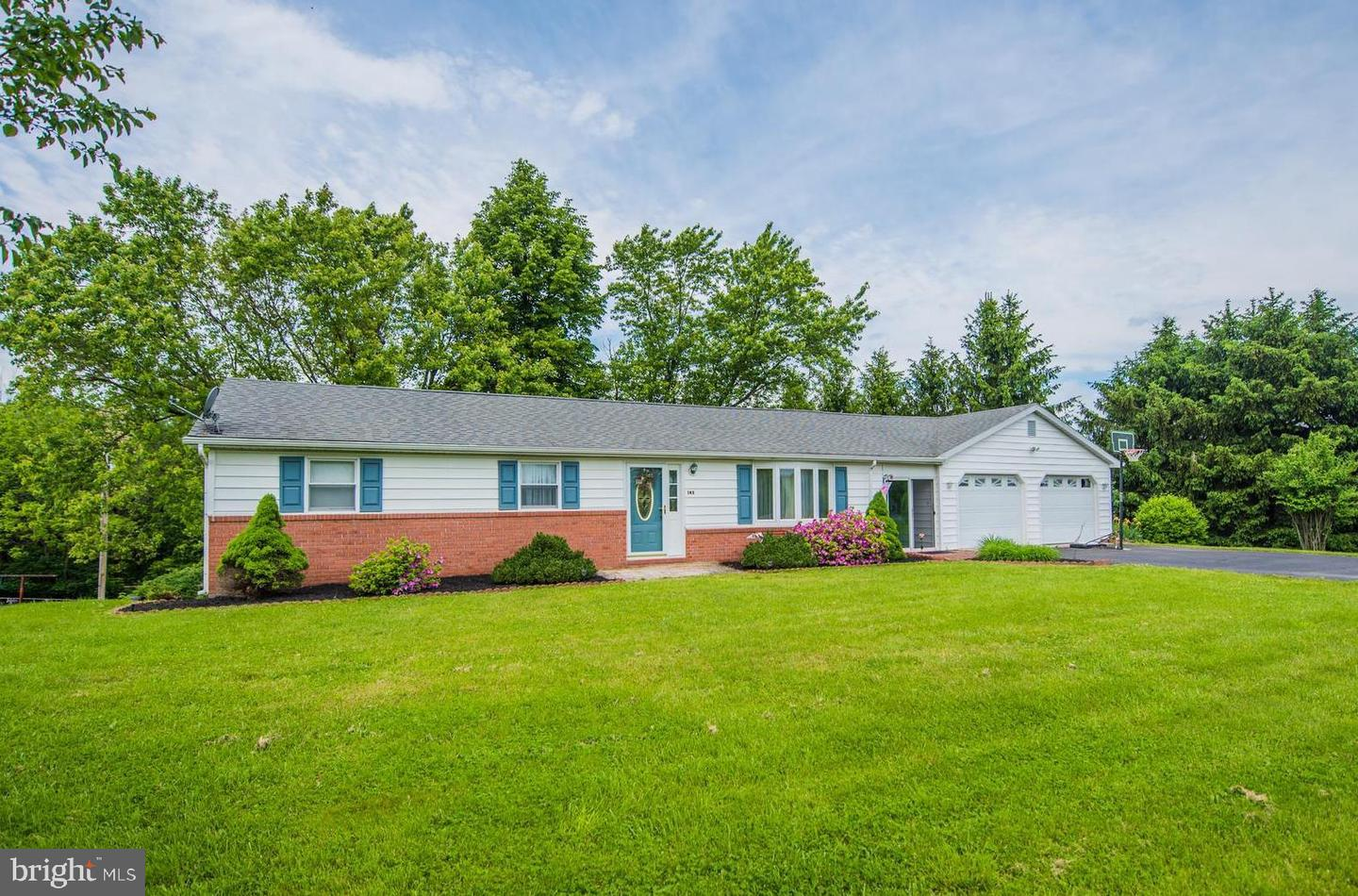 Single Family for Sale at 145 Morgan Lane Berkeley Springs, West Virginia 25411 United States