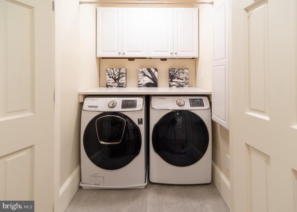 Bedroom Level Laundry - 412 WOLFE ST, ALEXANDRIA