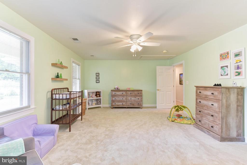 3rd upper-level bedroom - 1503 RIVER FARM DR, ALEXANDRIA