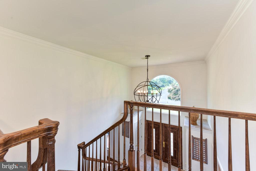 View from top landing on upper level to foyer - 1503 RIVER FARM DR, ALEXANDRIA