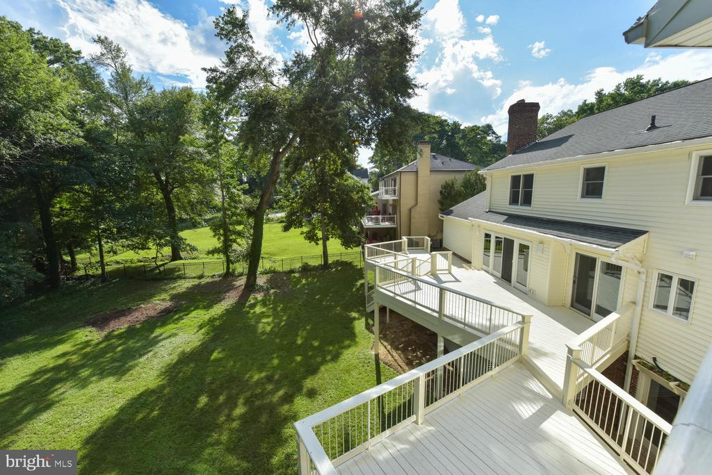 View from master deck to back yard - 1503 RIVER FARM DR, ALEXANDRIA