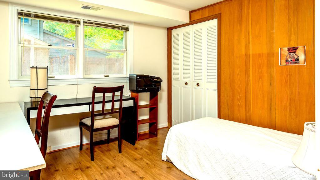 Lower-level bedroom. - 6815 TILDEN LN, NORTH BETHESDA