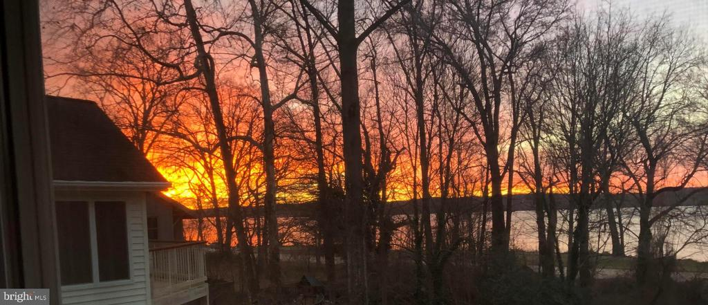 Sunsets are gorgeous! - 1503 RIVER FARM DR, ALEXANDRIA