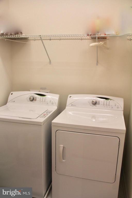 Laundry room upper level - 9039 BELO GATE DR, MANASSAS PARK