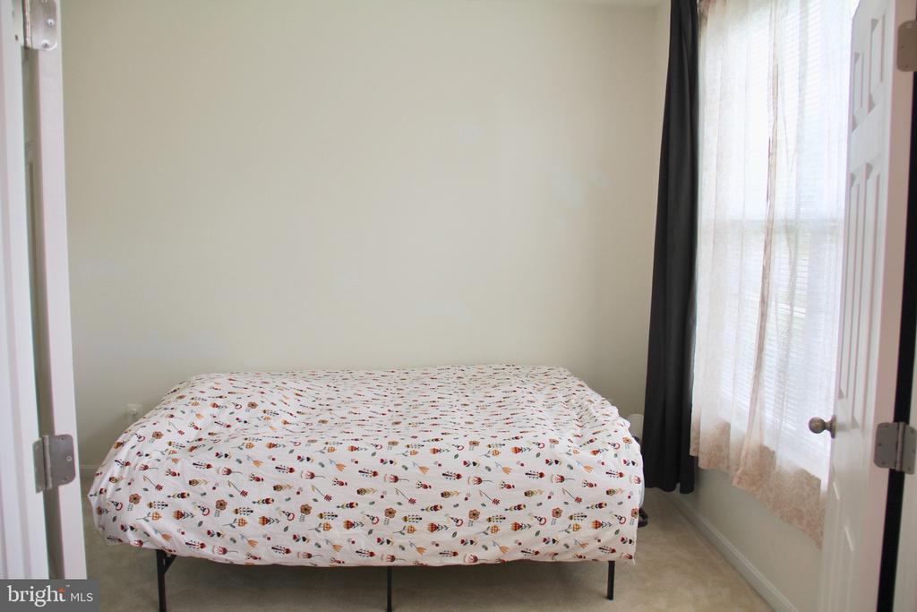 4th Bedroom lower level - 9039 BELO GATE DR, MANASSAS PARK