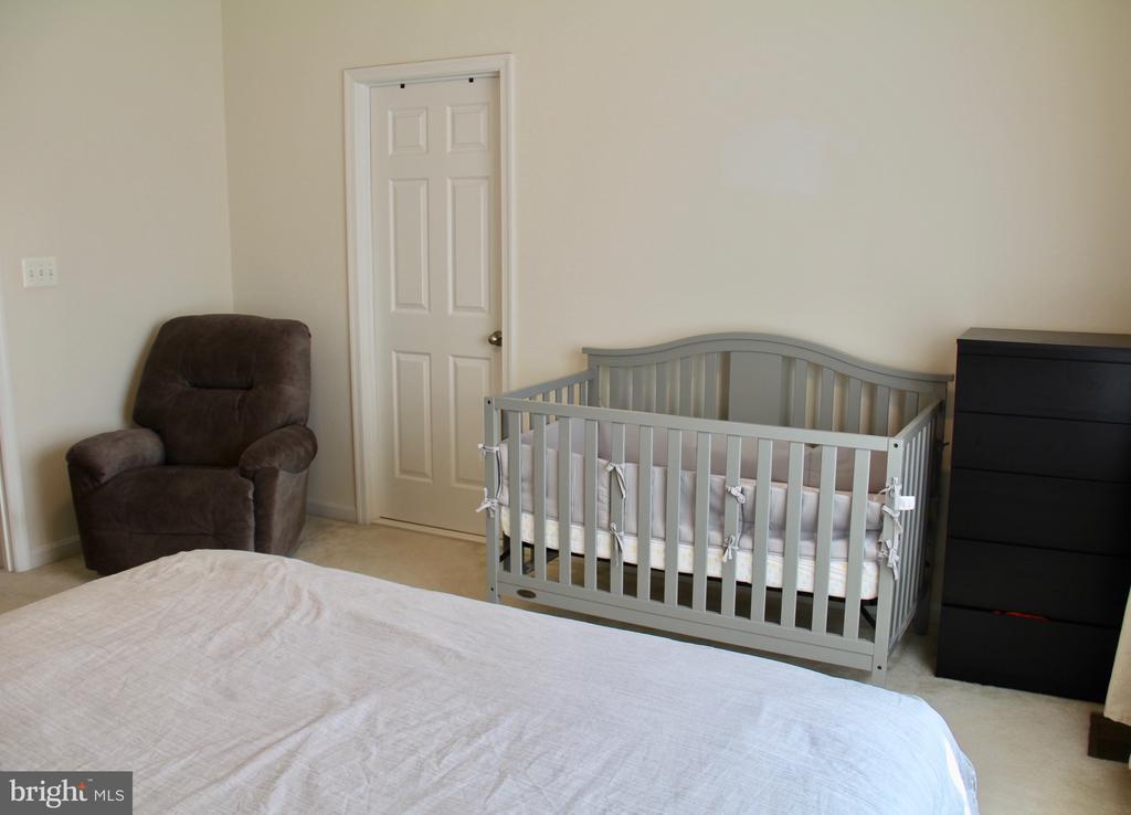 Master bedroom - 9039 BELO GATE DR, MANASSAS PARK