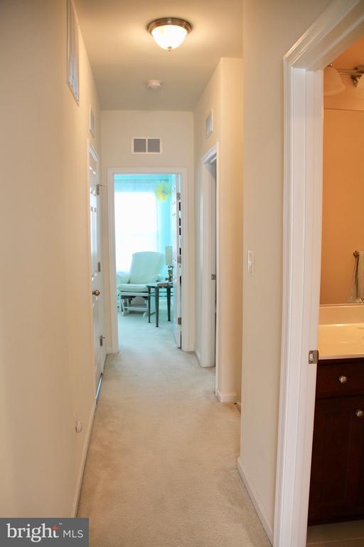 Upper level hallway - 9039 BELO GATE DR, MANASSAS PARK