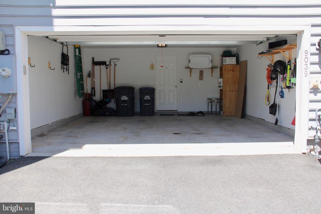 Open Garage - 9039 BELO GATE DR, MANASSAS PARK