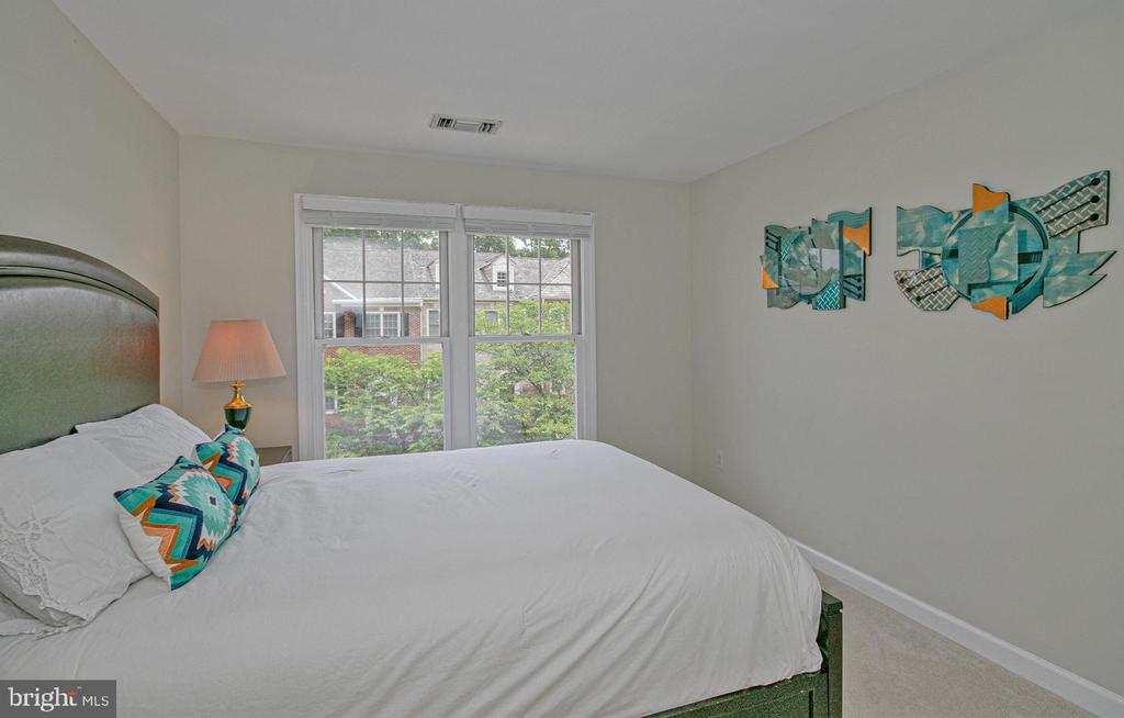 2nd bedroom - 2185 WOLFTRAP CT, VIENNA