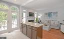 Tons of light! - 2185 WOLFTRAP CT, VIENNA