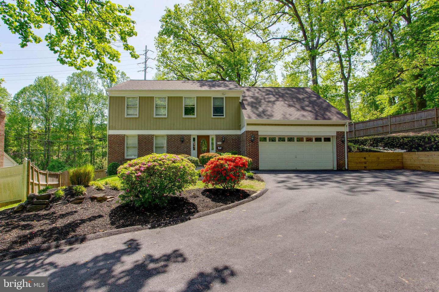 Single Family for Sale at 7710 Seven Locks Rd Bethesda, Maryland 20817 United States
