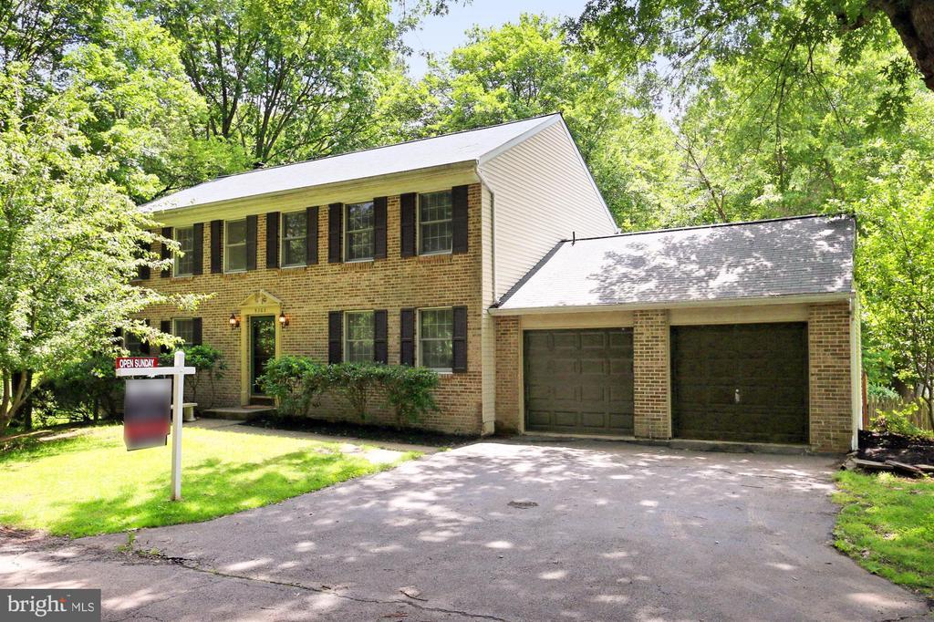 9302  WILLOW POND LANE, Burke, Virginia