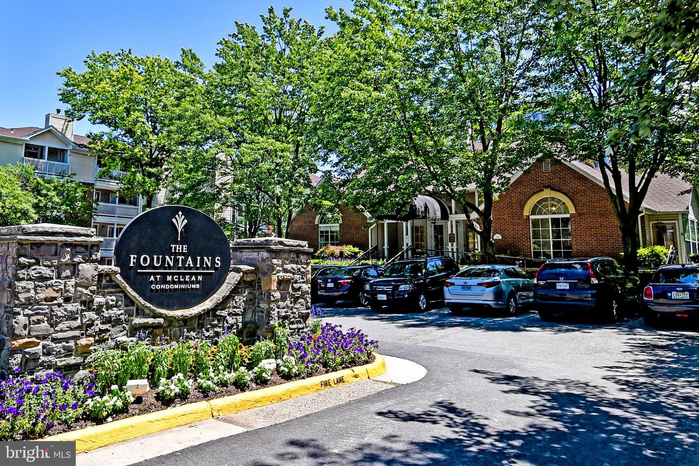 Single Family for Sale at 1524 Lincoln Way #312 McLean, Virginia 22102 United States