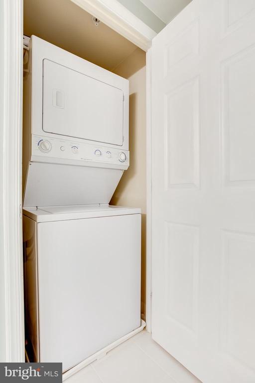 Washer & Dryer - 2726 GALLOWS RD #1213, VIENNA