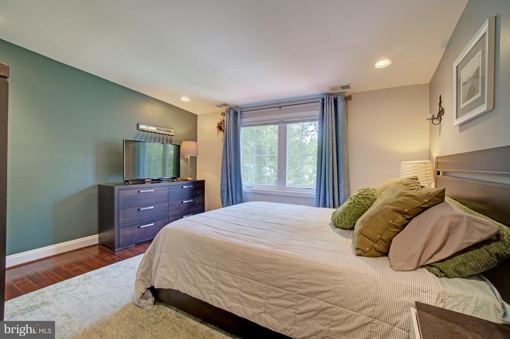 Bedroom on Upper level - 4802 LONGFELLOW ST, RIVERDALE
