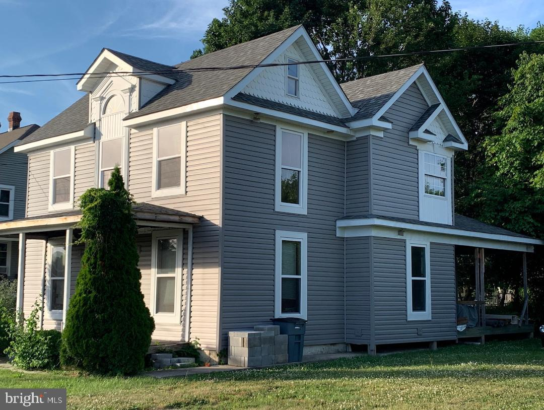 Single Family for Sale at 35 Maple Ave Smithsburg, Maryland 21783 United States