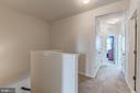 Bedroom level extra large hallway - 24604 BYRNE MEADOW SQ, ALDIE