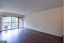 Floor to Ceiling Windows - 11208 CHESTNUT GROVE SQ #212, RESTON