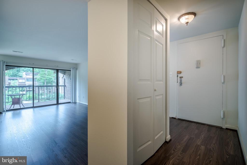 New Floors 2019 - 11208 CHESTNUT GROVE SQ #212, RESTON