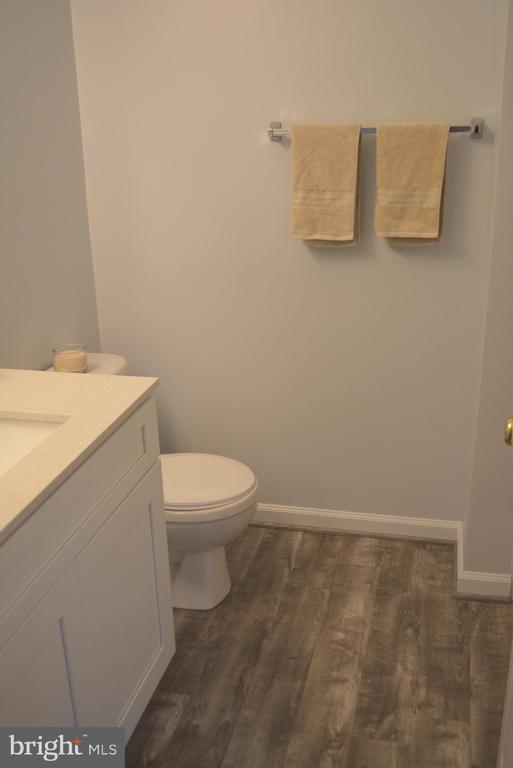 Lower Level bathroom - 43809 LEES MILL SQ, LEESBURG
