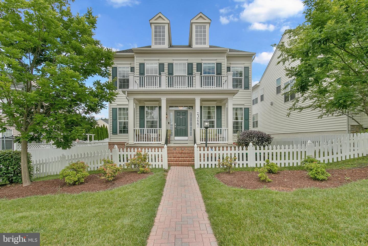 Single Family for Sale at 23227 Arora Hills Dr Clarksburg, Maryland 20871 United States