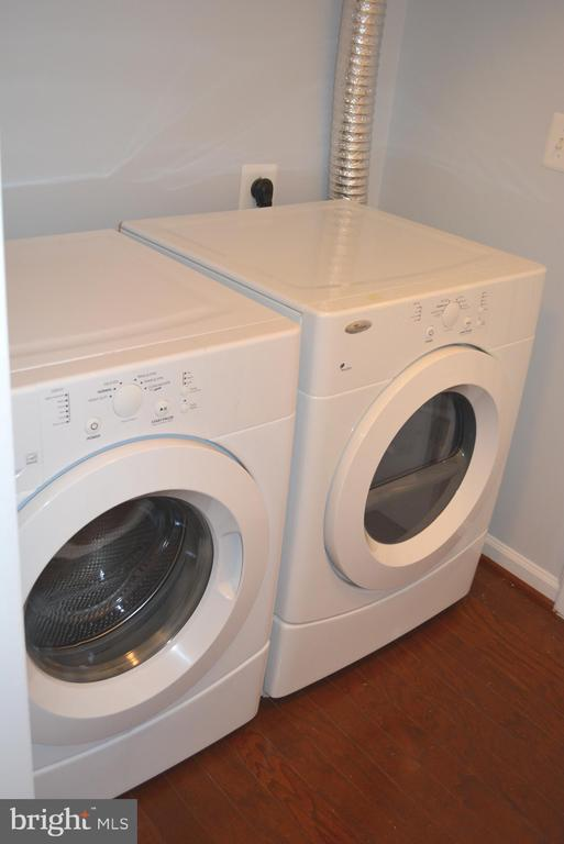Front-load Washer and Dryer - 43809 LEES MILL SQ, LEESBURG