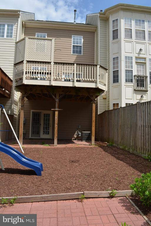 Well Maintained Backyard - 43809 LEES MILL SQ, LEESBURG