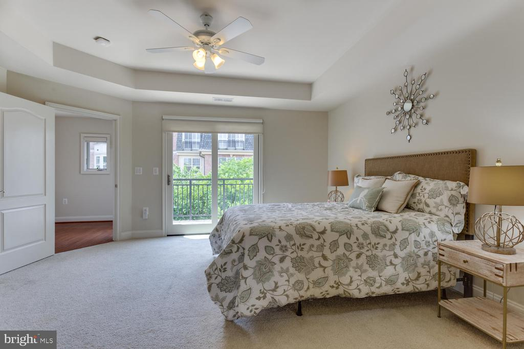 Master Suite on its own floor. - 1318 DUKE ST, ALEXANDRIA
