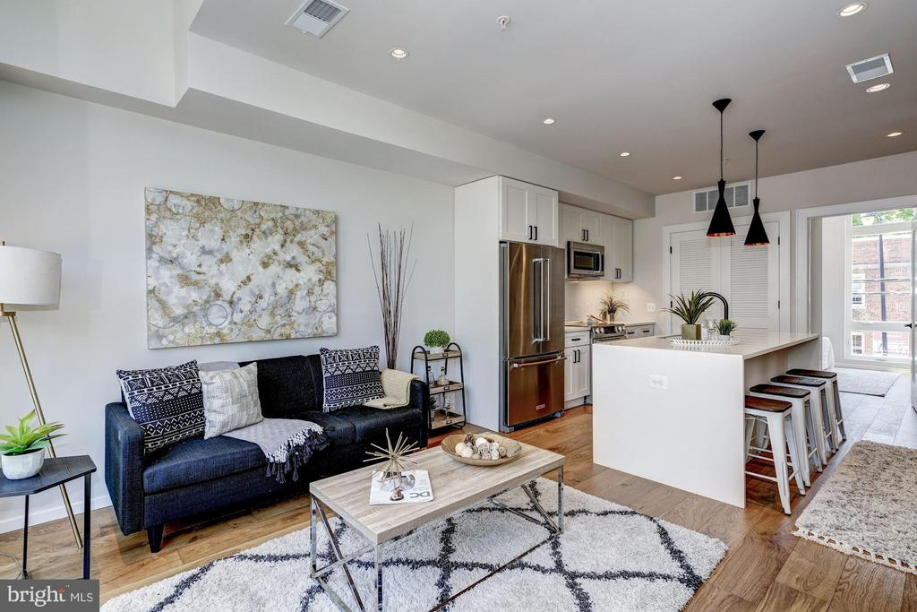 Open floor plan - 1201 KEARNY ST NE #202, WASHINGTON