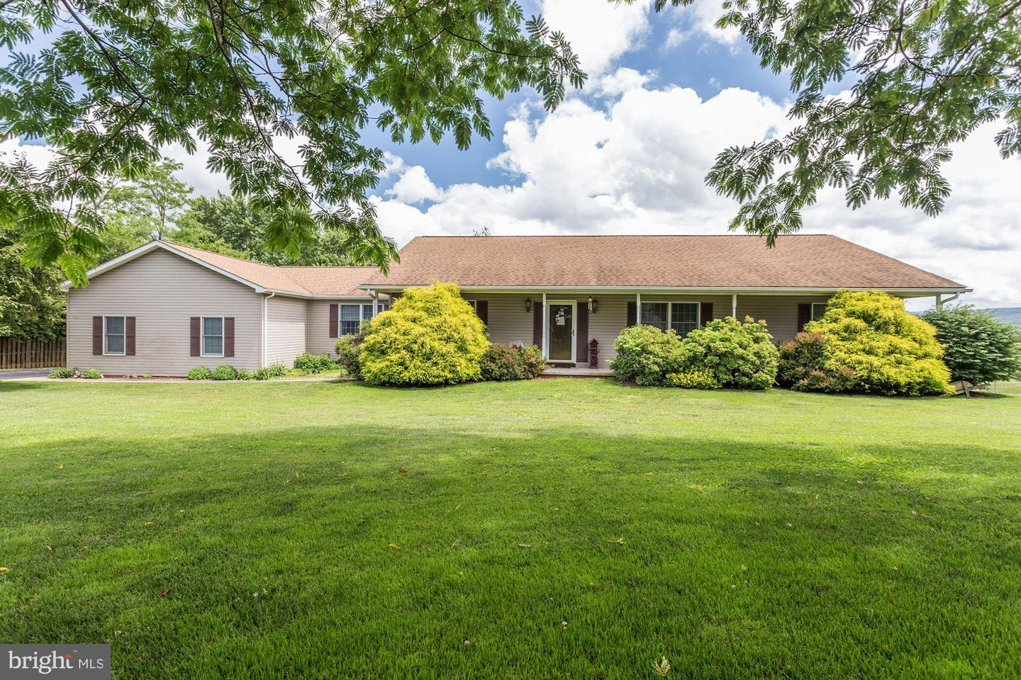 Single Family for Sale at 14241 Windy Haven Rd Smithsburg, Maryland 21783 United States