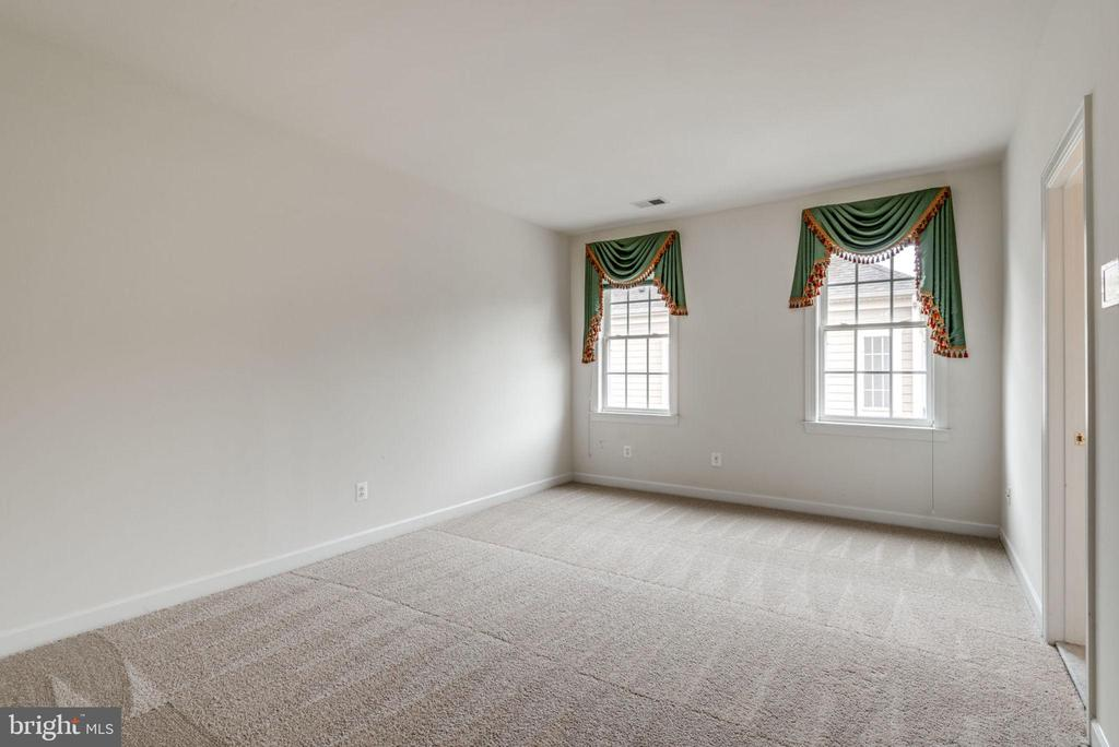 Tell the family to stay over - 43725 COLLETT MILL CT, LEESBURG