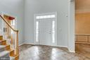 2 story foyer welcomes friends and family - 43725 COLLETT MILL CT, LEESBURG