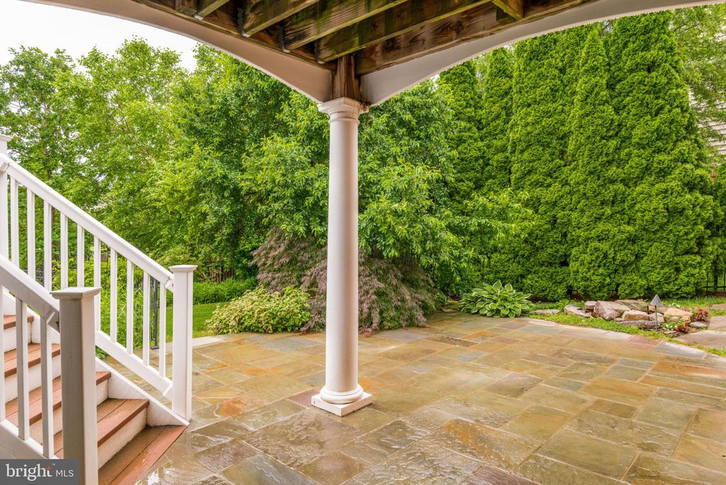 Walkout to the slate patio - 43725 COLLETT MILL CT, LEESBURG