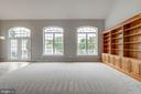 Large windows for natural light - 43725 COLLETT MILL CT, LEESBURG