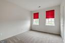 Neutral finishes in bedrooms - 43725 COLLETT MILL CT, LEESBURG