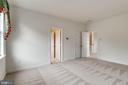 Fresh neutral carpet - 43725 COLLETT MILL CT, LEESBURG