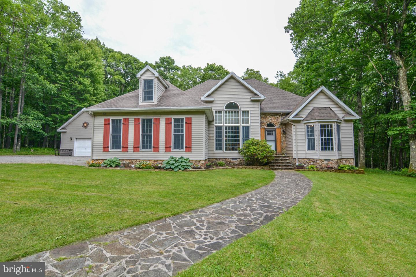 Single Family for Sale at 85 Allegro Rd Oakland, Maryland 21550 United States