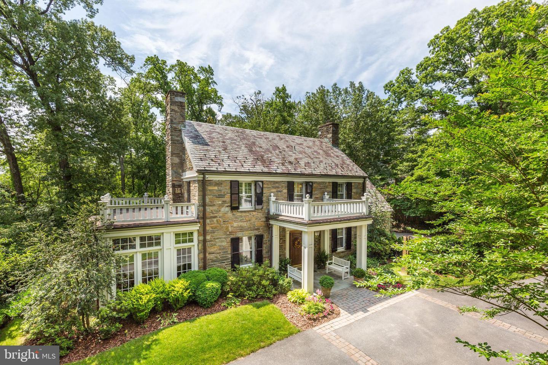 Single Family for Sale at 9125 Fernwood Rd Bethesda, Maryland 20817 United States