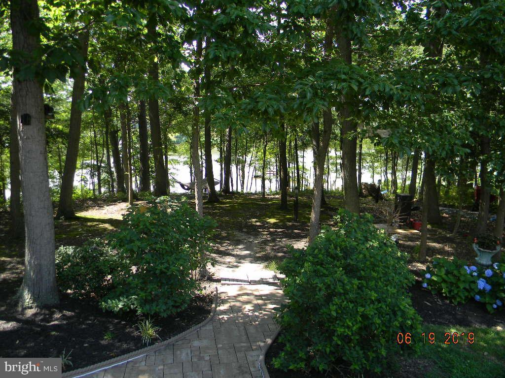 A sanctuary to come home to, close to RTES695, 95 - 504 CREEK CROSSING LN, GLEN BURNIE