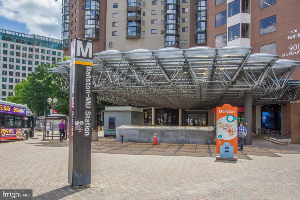 Ballston Metro with direct access from inside - 900 N STAFFORD ST #1218, ARLINGTON