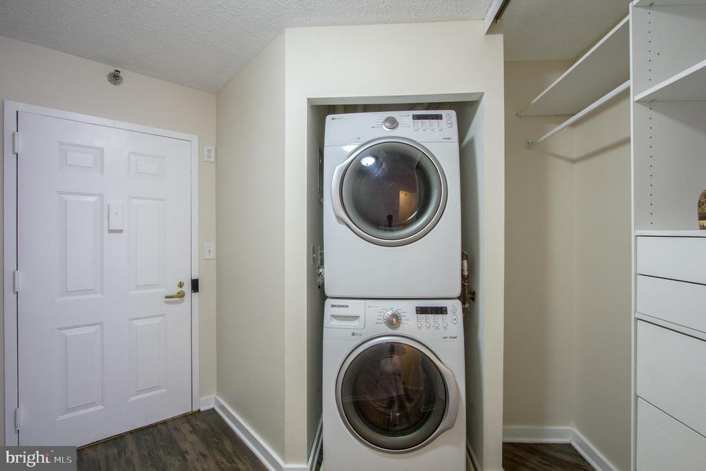Stack washer and dryer in condo. - 900 N STAFFORD ST #1218, ARLINGTON