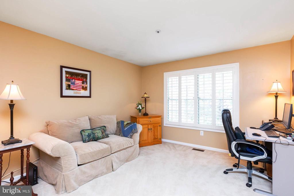 Upper Loft or Extra Bedroom - 32 BRONCO CT #285, GERMANTOWN