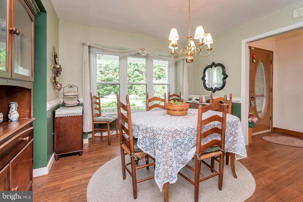 Separate Dining Room off Foyer - 7329 CLOVERHILL RD, SPOTSYLVANIA