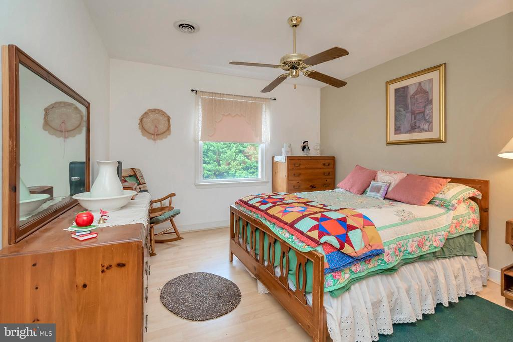 Upper Level Bedroom 3 - 7329 CLOVERHILL RD, SPOTSYLVANIA